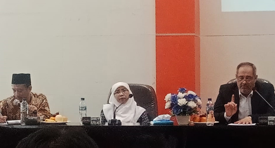 Dr. Akmaliyah, M.Ag