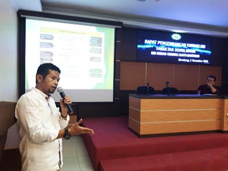 Rohanda di pada acara pembahasan pengembangan kurikulum di fakultas Ushuluddin