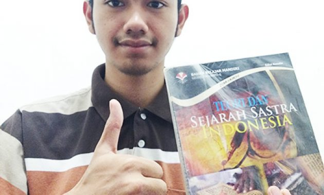 Nurul Furqon - buku Teori dan Sejarah Sastra Indonesia