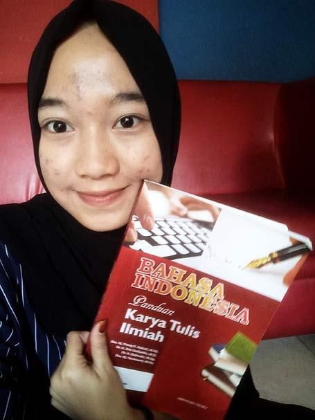 Buku Panduan Karya Tulis Ilmiah oleh Silmi Ibnit Haudia